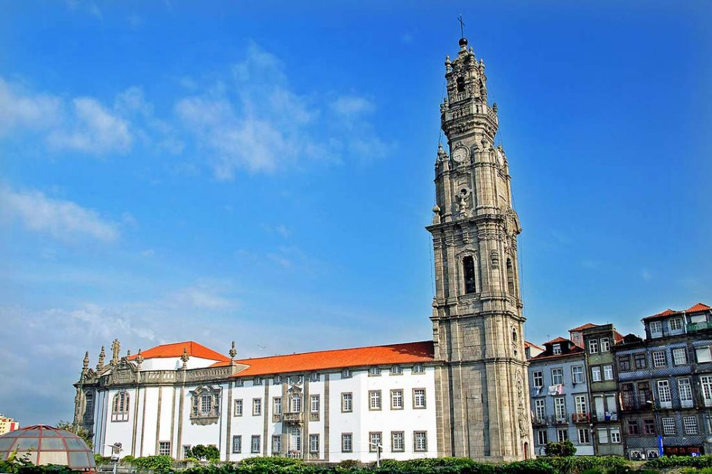 Things to do in Porto Portugal: Torre dos Clerigos