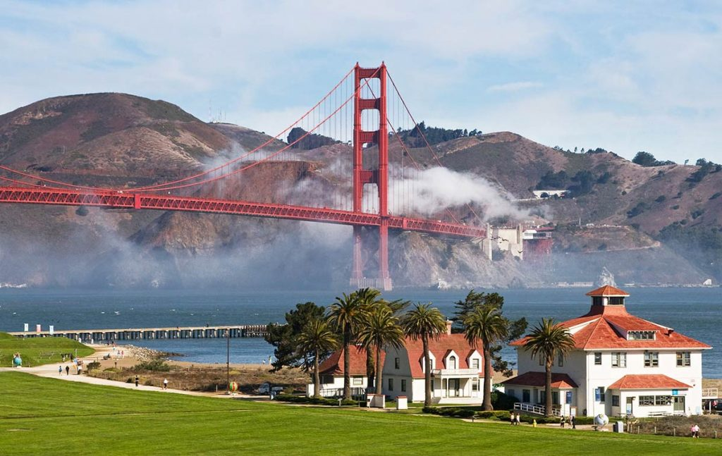 Golden Gate Bridge photo spots - Crissy Field
