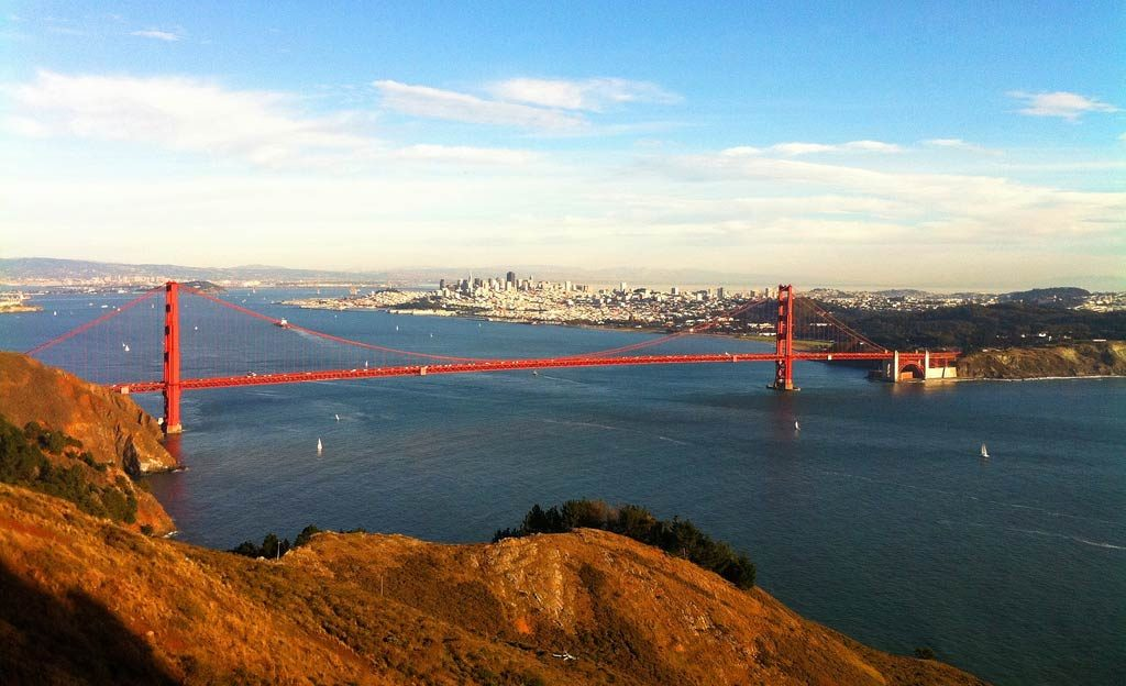 best place to take picture of golden gate bridge - hawk hill