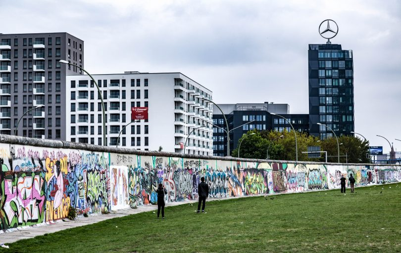 Where to take photos of the berlin wall